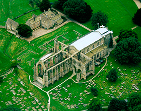 bolton abbey priory ruins